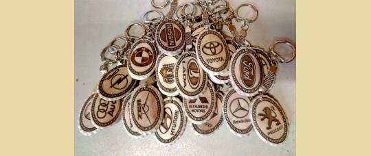 Брелки из кости оленя «Авто лого».